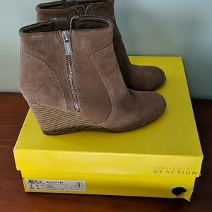 Kenneth Cole Reaction wedge suede booties